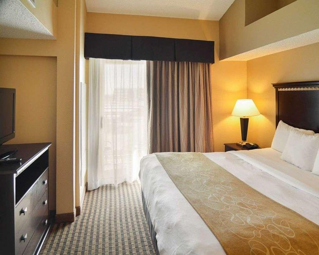 Comfort Suites Dfw Airport - lodging  | Photo 7 of 9 | Address: 4700 W John Carpenter Fwy, Irving, TX 75063, USA | Phone: (469) 713-3666