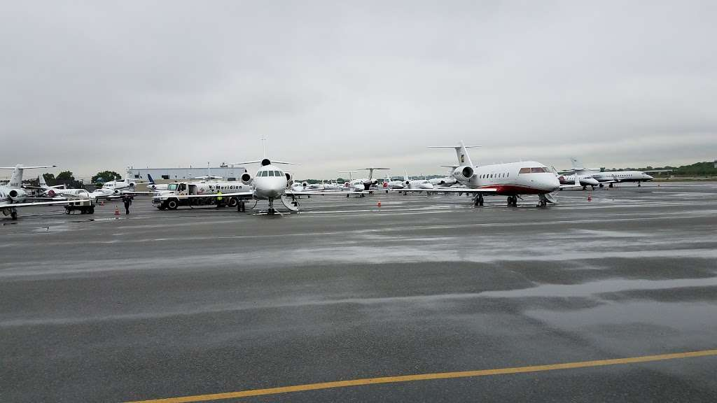 Meridian - airport  | Photo 5 of 10 | Address: 485 Industrial Ave, Teterboro, NJ 07608, USA | Phone: (201) 288-5040