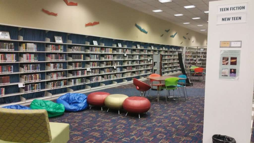 Sterling Municipal Library - library  | Photo 7 of 9 | Address: 4258, 1 Mary Elizabeth Wilbanks Ave, Baytown, TX 77520, USA | Phone: (281) 427-7331