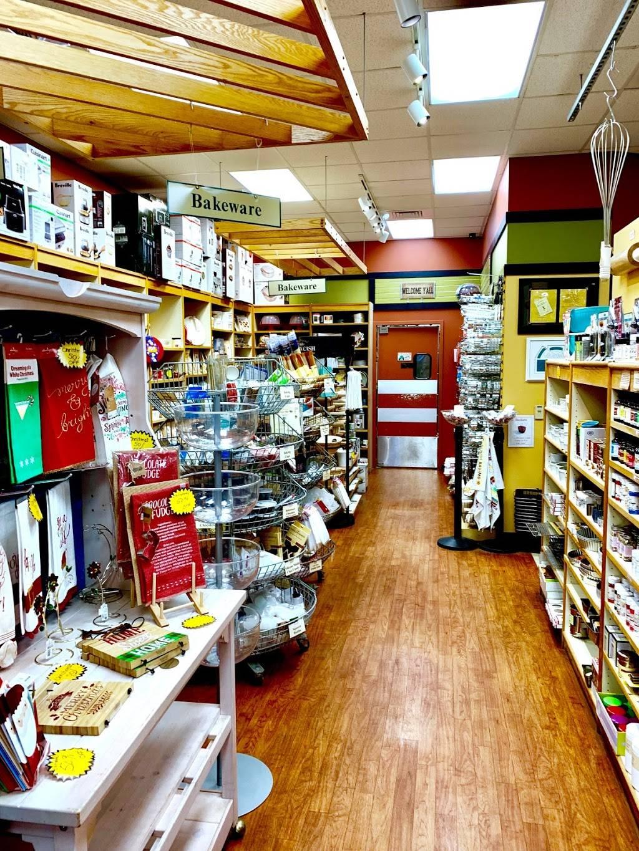 Rolling Pin Kitchen Emporium - department store  | Photo 8 of 10 | Address: 2080 Badlands Dr, Brandon, FL 33511, USA | Phone: (813) 653-2418