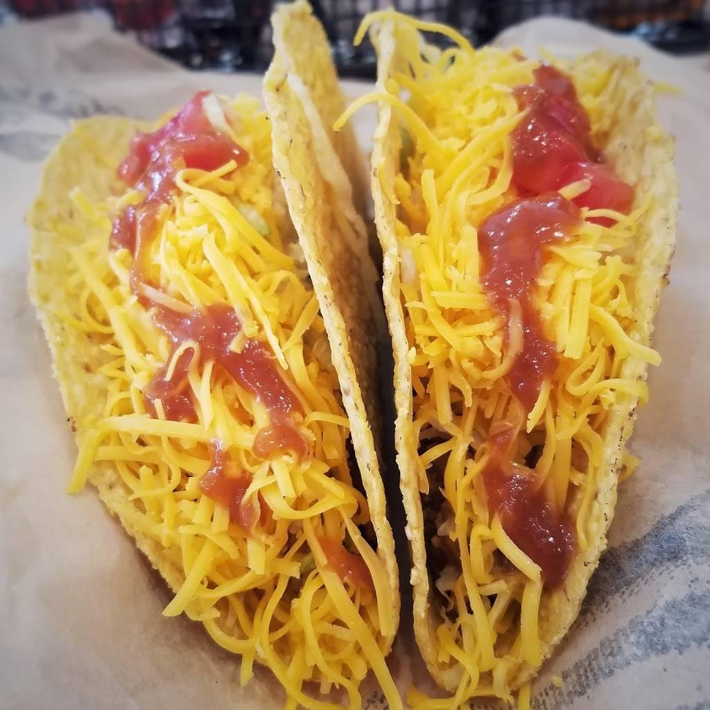 Del Taco - meal takeaway  | Photo 5 of 6 | Address: 5845 W Reno Ave, Oklahoma City, OK 73127, USA | Phone: (405) 945-6526