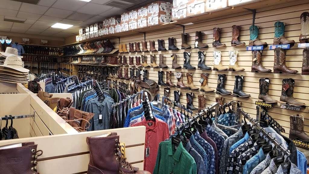 I Botas - shoe store  | Photo 1 of 4 | Address: 2605 E Bell Rd, Phoenix, AZ 85032, USA | Phone: (480) 280-3823