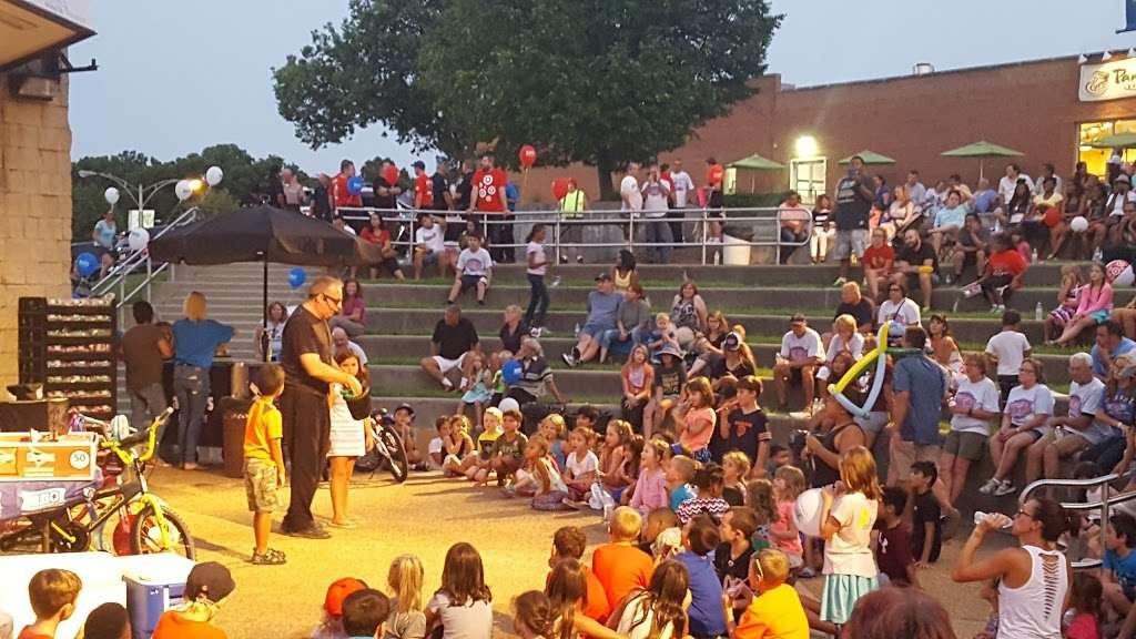 Memorial Park - park  | Photo 7 of 10 | Address: La Grange Park, IL 60526, USA