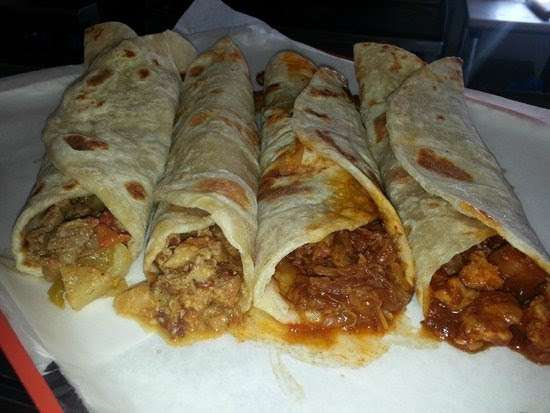 Tortas Juniors - restaurant    Photo 9 of 18   Address: Atenas #3751, Playas, Costa Azul, 22506 Tijuana, B.C., Mexico   Phone: 664 558 1585