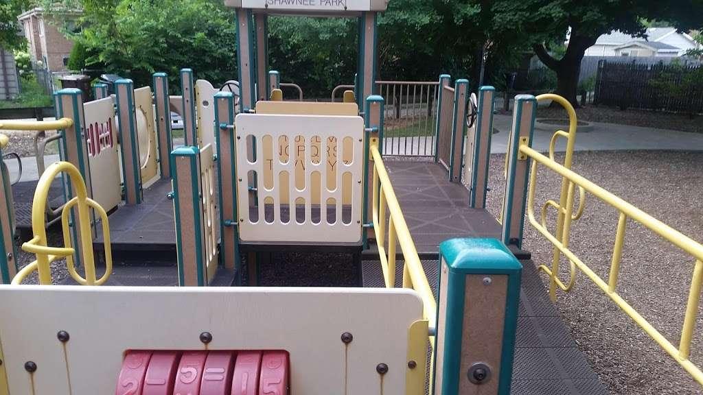 Shawnee Park - park  | Photo 7 of 10 | Address: Skokie, IL 60076, USA