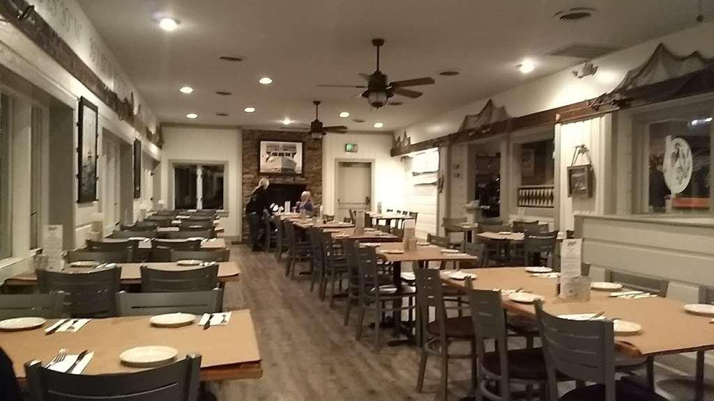 Donnellys Dockside - restaurant  | Photo 2 of 10 | Address: 1050 Deep Creek Ave, Arnold, MD 21012, USA | Phone: (410) 757-4045