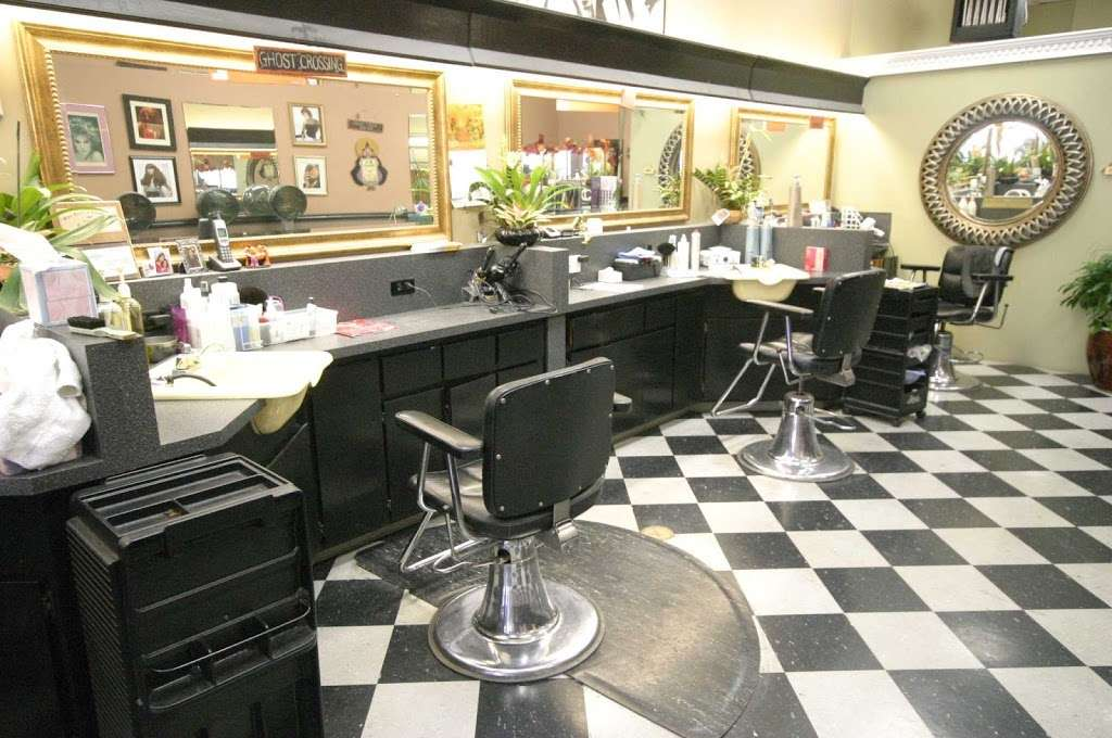 New Upper Cuts - hair care  | Photo 1 of 2 | Address: 31073 Mission Blvd, Hayward, CA 94544, USA | Phone: (510) 471-2303