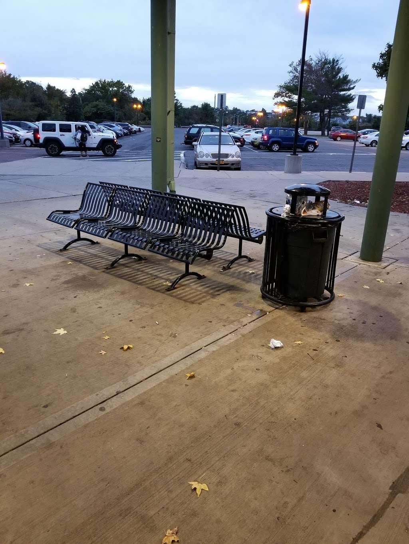 Eltingville/Transit Center - bus station    Photo 6 of 9   Address: Staten Island, NY 10312, USA