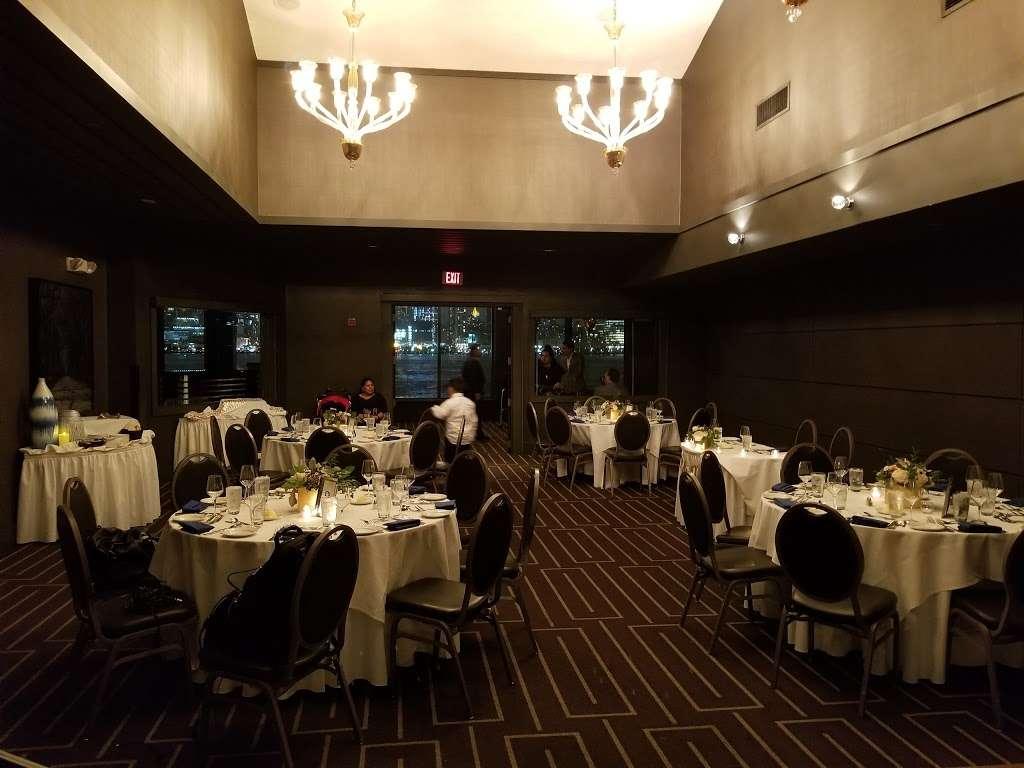 Chart House - restaurant  | Photo 1 of 10 | Address: Lincoln Harbor Pier D-T, Weehawken, NJ 07086, USA | Phone: (201) 348-6628