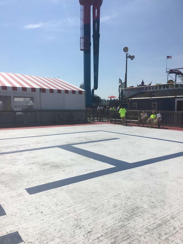 Steel Pier Helicopters - airport  | Photo 8 of 10 | Address: 1000 Boardwalk, Atlantic City, NJ 08401, USA | Phone: (732) 245-3306