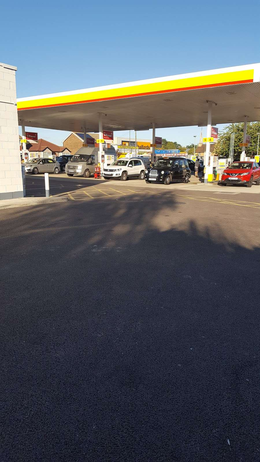 Shell - gas station    Photo 8 of 10   Address: 510 Blackfen Rd, Sidcup DA15 9NT, UK   Phone: 020 8304 1465
