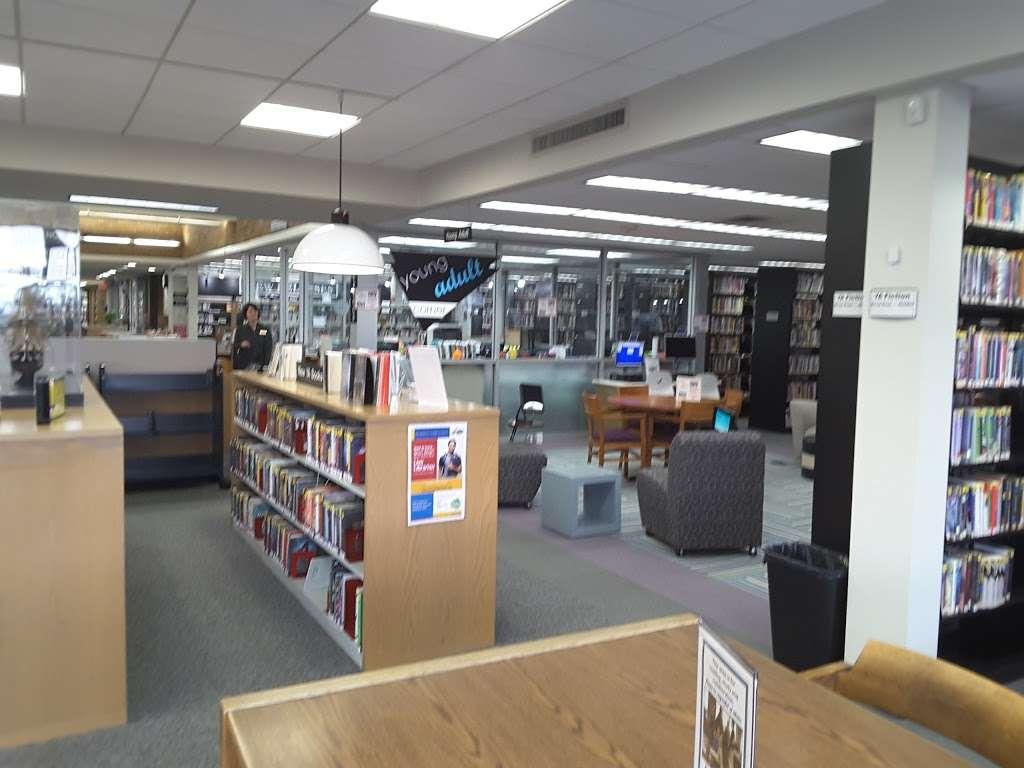 Jericho Public Library - library  | Photo 4 of 10 | Address: 1 Merry Ln, Jericho, NY 11753, USA | Phone: (516) 935-6790