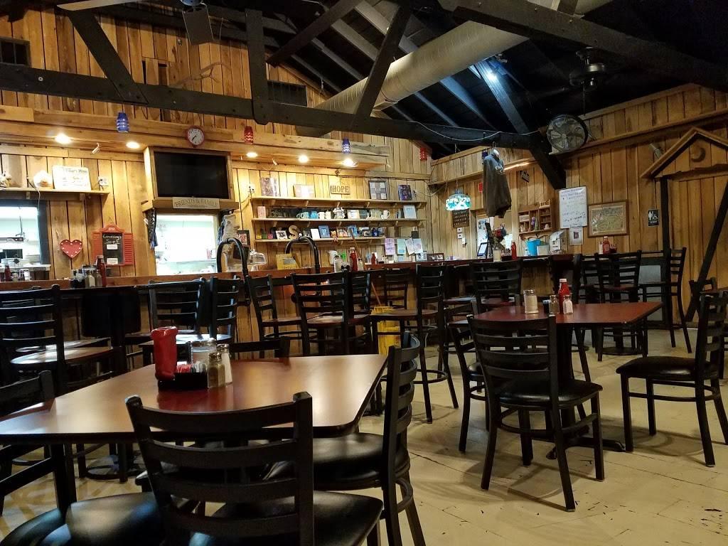 Lindsays Kitchen - restaurant  | Photo 1 of 10 | Address: 5300 Cane Run Rd #3103, Louisville, KY 40258, USA | Phone: (502) 384-4823