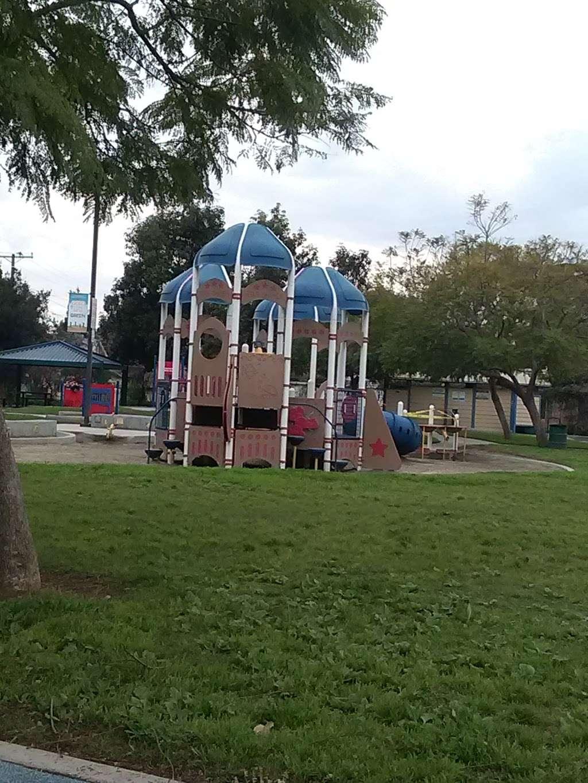 Parque De Los Sueños - park    Photo 9 of 10   Address: 1333 S Bonnie Beach Pl, Los Angeles, CA 90032, USA   Phone: (323) 260-2330