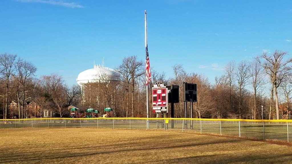 Witte Field Johnson Field - park  | Photo 4 of 10 | Address: 39-43 Johnson Ave, Englewood Cliffs, NJ 07632, USA