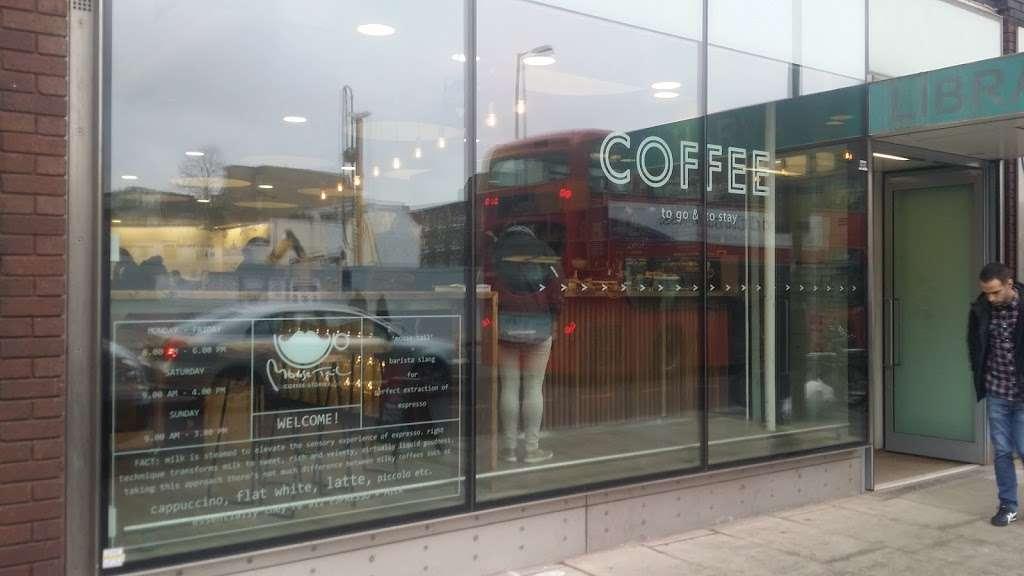 Kapow Signs - clothing store  | Photo 9 of 10 | Address: 8 Heckford street business center, Heckford street, London E1W 3HS, UK | Phone: 020 7790 8849