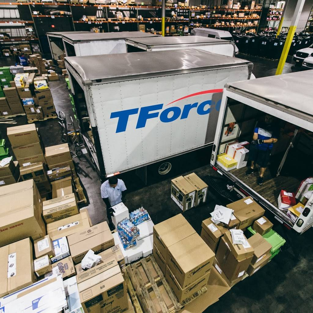 TForce Logistics - El Paso - moving company  | Photo 2 of 9 | Address: 9600 Joe Rodriguez Dr Suite 4-5, El Paso, TX 79927, USA | Phone: (855) 396-2639