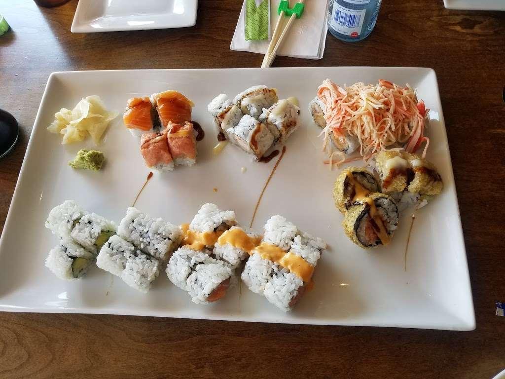 Sushi Cruise - restaurant    Photo 5 of 10   Address: 725 River Rd #51, Edgewater, NJ 07020, USA   Phone: (201) 313-3611