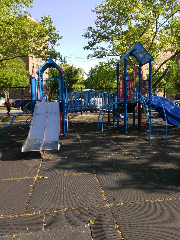 Randall Playground - park  | Photo 5 of 10 | Address: 2125 Randall Ave, Bronx, NY 10473, USA