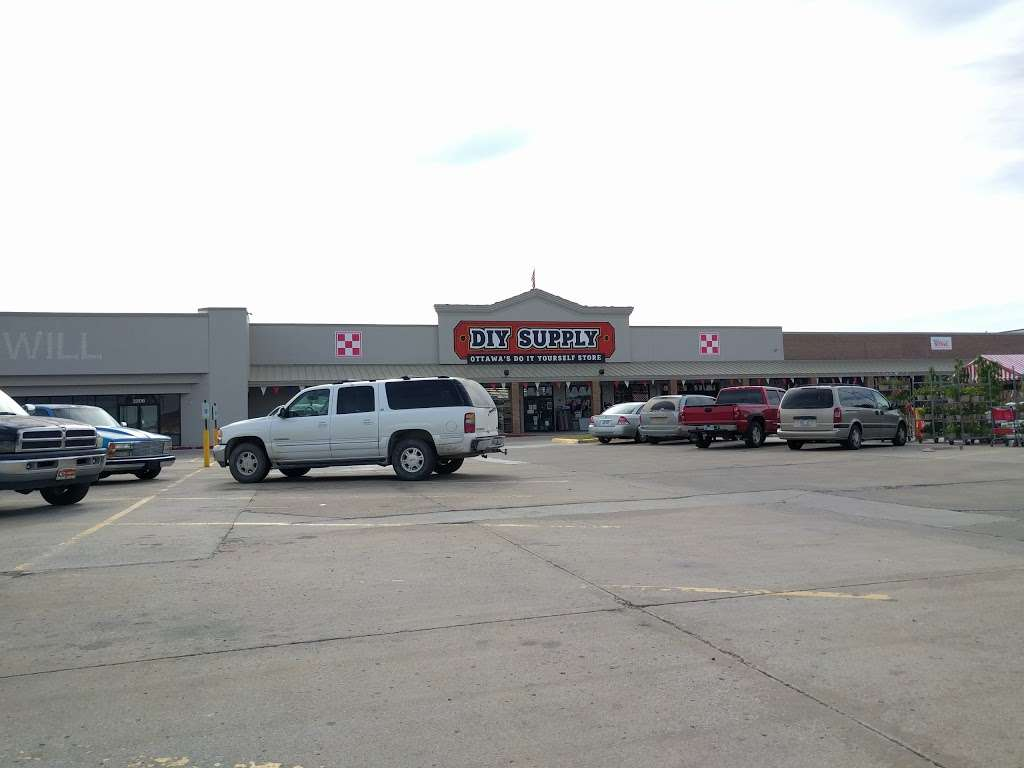 HomeBase - hardware store  | Photo 9 of 10 | Address: 2138 S Princeton Cir Dr, Ottawa, KS 66067, USA | Phone: (785) 242-8200