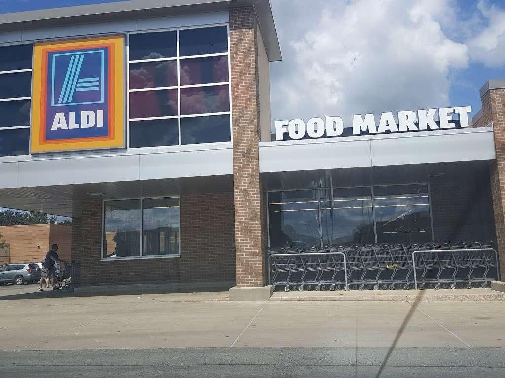 ALDI - supermarket    Photo 8 of 9   Address: 2540 Sycamore Rd, DeKalb, IL 60115, USA   Phone: (855) 955-2534