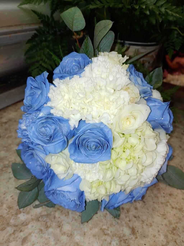 Alinas Florist - florist  | Photo 9 of 10 | Address: Avon St, Riverside, CA 92509, USA | Phone: (951) 217-5895