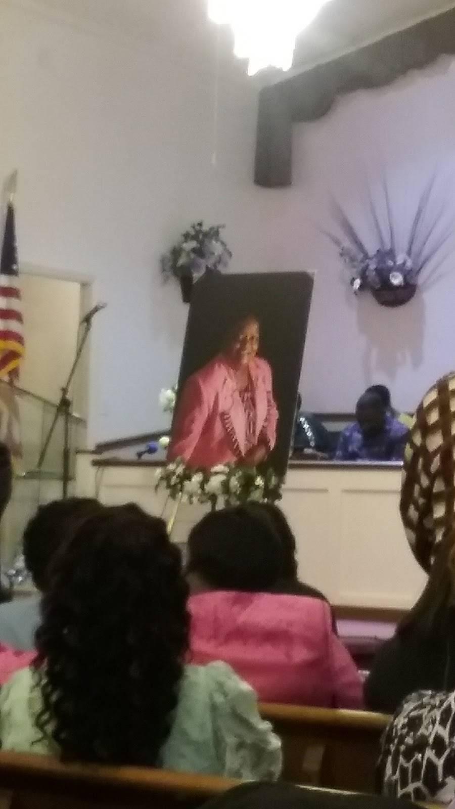 Seed Time & Harvest Fellowship Church - church  | Photo 5 of 10 | Address: 804 Berwyn Ave, Durham, NC 27704, USA | Phone: (919) 220-2896