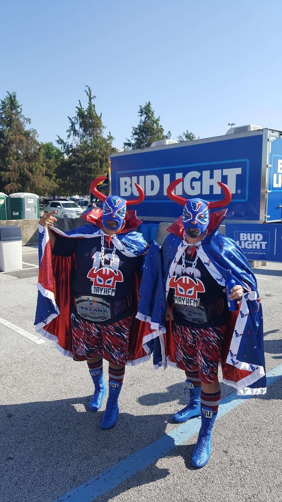 Blue Lot - parking  | Photo 6 of 10 | Address: 8510 Kirby Dr, Houston, TX 77054, USA
