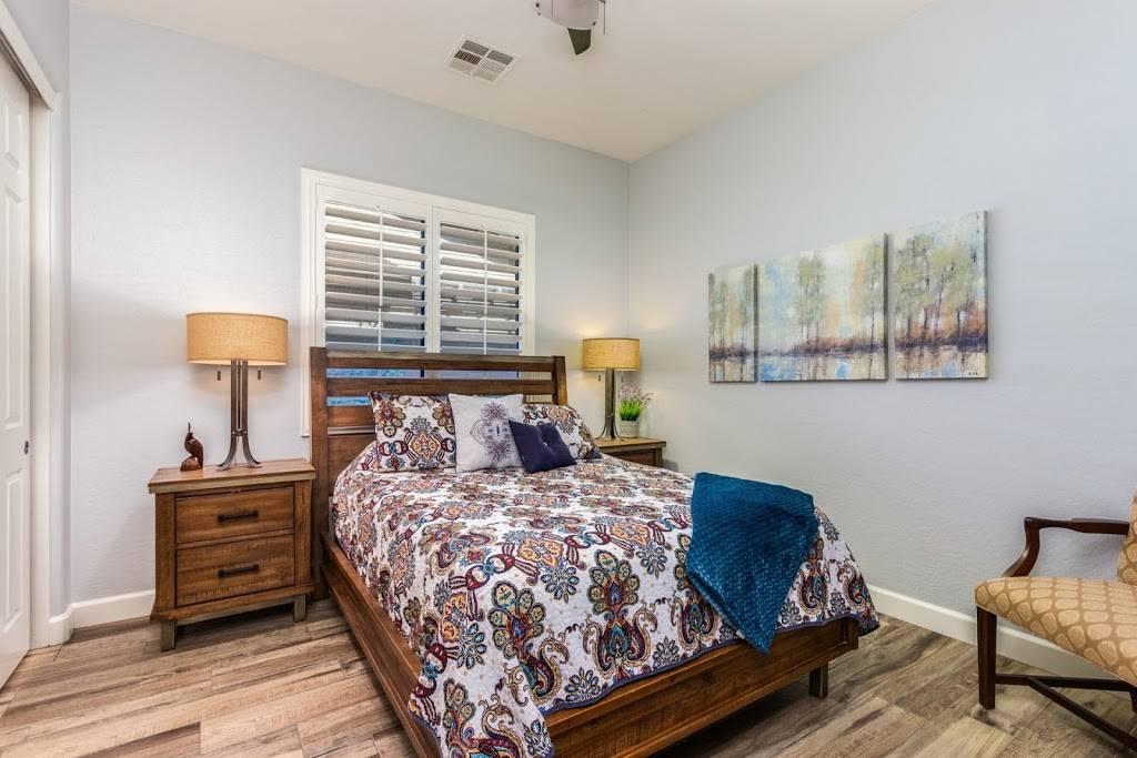 The Drefs Team - real estate agency    Photo 2 of 4   Address: 4500 N 155th Ave, Goodyear, AZ 85395, USA   Phone: (623) 694-0354