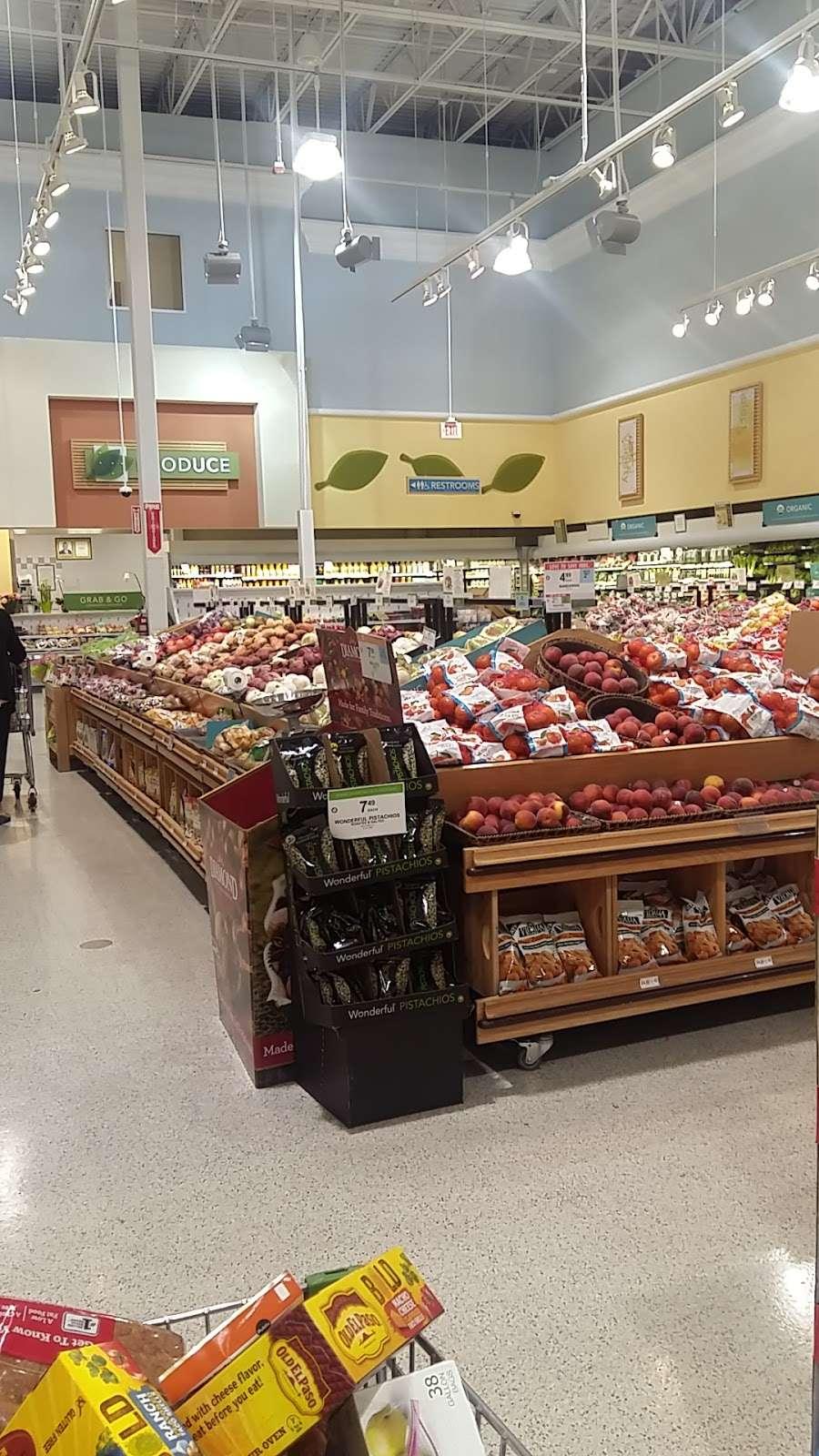 Publix Super Market at Veranda Shoppes - supermarket  | Photo 9 of 10 | Address: 550 N Pine Island Rd, Plantation, FL 33324, USA | Phone: (954) 475-5285