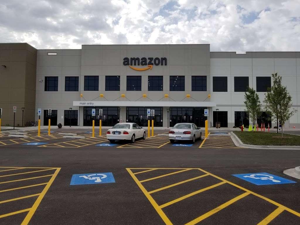 Amazon Fulfillment Center - MDW7 - storage  | Photo 1 of 10 | Address: 6605 W Monee Manhattan Rd, Monee, IL 60449, USA | Phone: (206) 266-1000