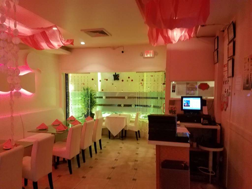 Glow - restaurant  | Photo 1 of 10 | Address: 214 Jericho Turnpike, Floral Park, NY 11001, USA | Phone: (516) 437-4552