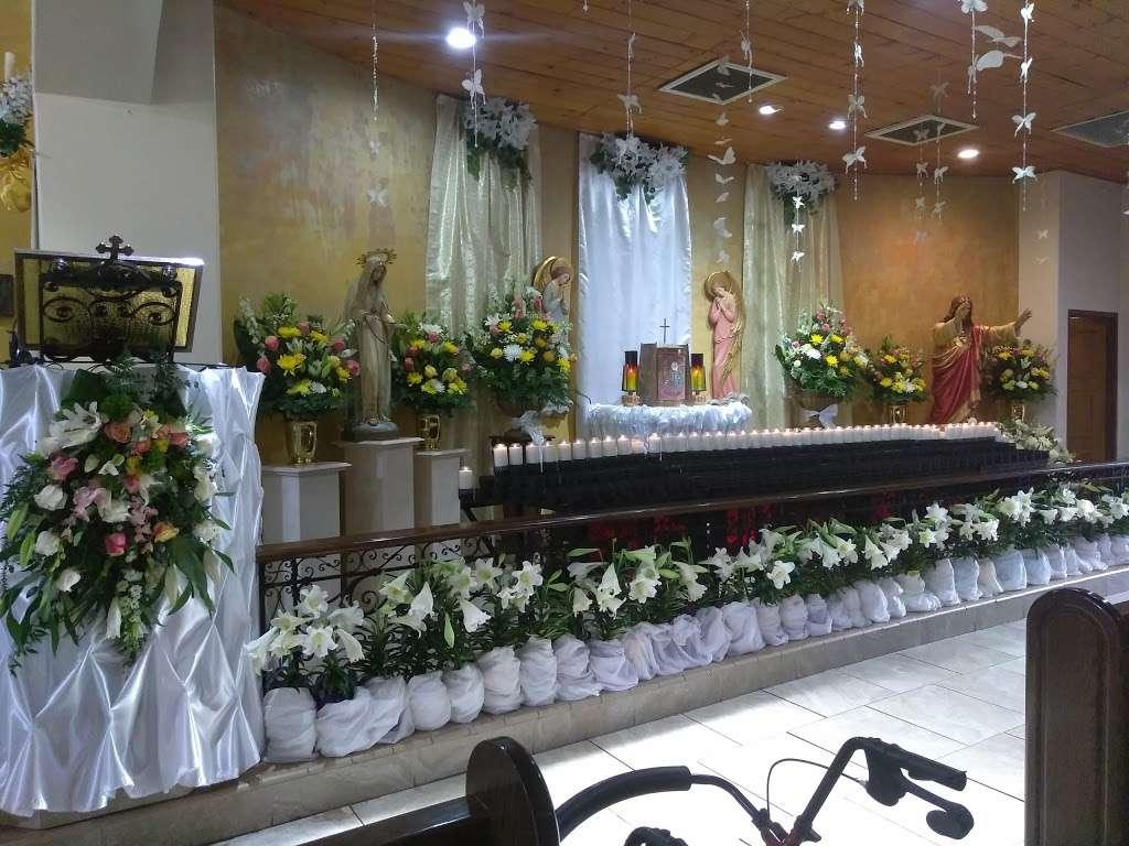Holy Family Catholic Church - church  | Photo 8 of 10 | Address: 1011 E L St, Wilmington, CA 90744, USA | Phone: (310) 834-6333
