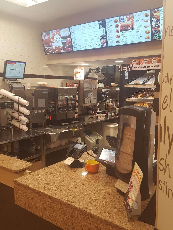 Dunkin Donuts - cafe  | Photo 8 of 10 | Address: 454 Spring St, Elizabeth, NJ 07201, USA | Phone: (973) 298-3285