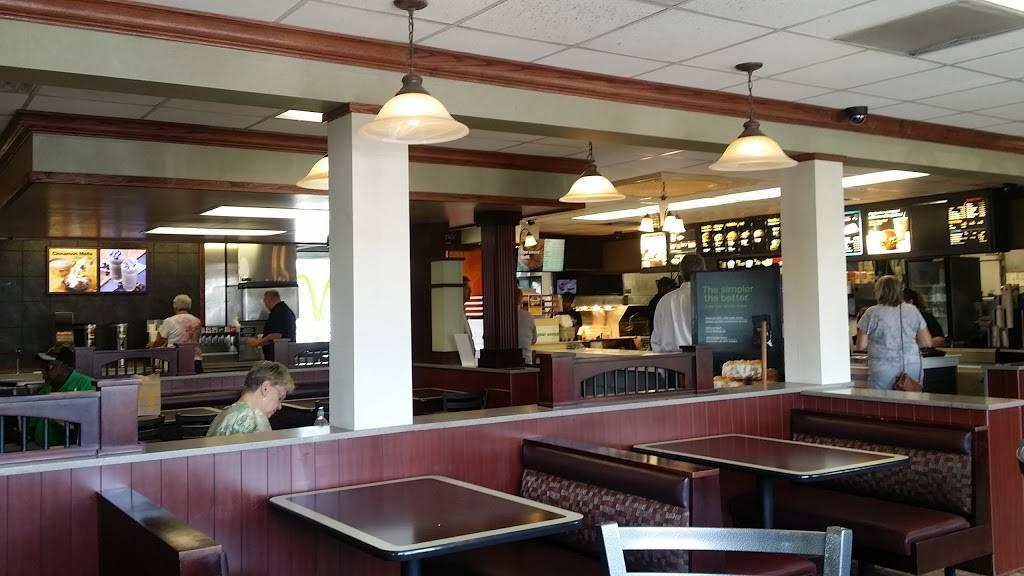 McDonalds - cafe    Photo 6 of 9   Address: 6131 Stellhorn Rd, Fort Wayne, IN 46815, USA   Phone: (260) 485-8948