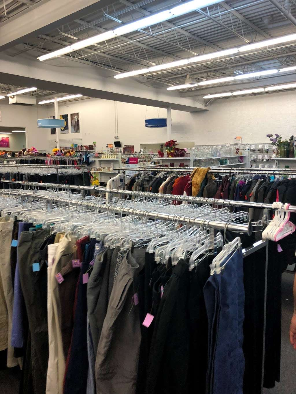 Goodwill Retail Store & Donation Center - clothing store    Photo 10 of 10   Address: 9960 Main Street, Fairfax, VA 22031, USA   Phone: (703) 349-1806