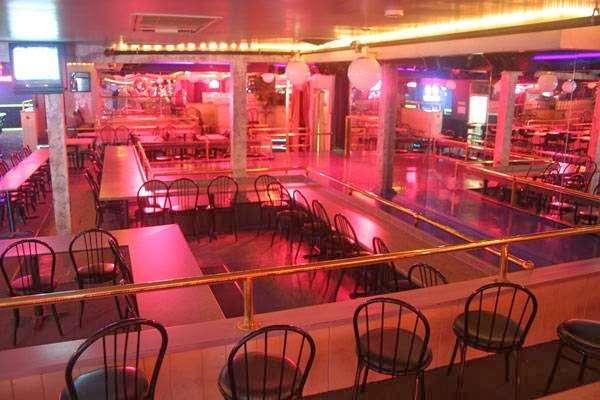 Kittens Gentlemens Club - restaurant    Photo 2 of 3   Address: 99 Bridge Rd, Salisbury, MA 01952, USA   Phone: (978) 463-1782