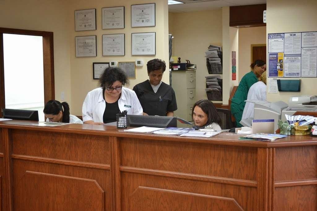 Universal Medical Center - hospital  | Photo 3 of 10 | Address: 5321 Flatlands Ave, Brooklyn, NY 11234, USA | Phone: (718) 517-2244