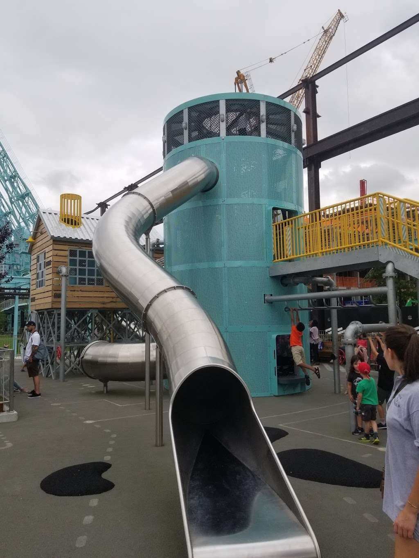 Grand Ferry Park - park  | Photo 4 of 10 | Address: Grand St &, River St, Brooklyn, NY 11211, USA | Phone: (212) 639-9675