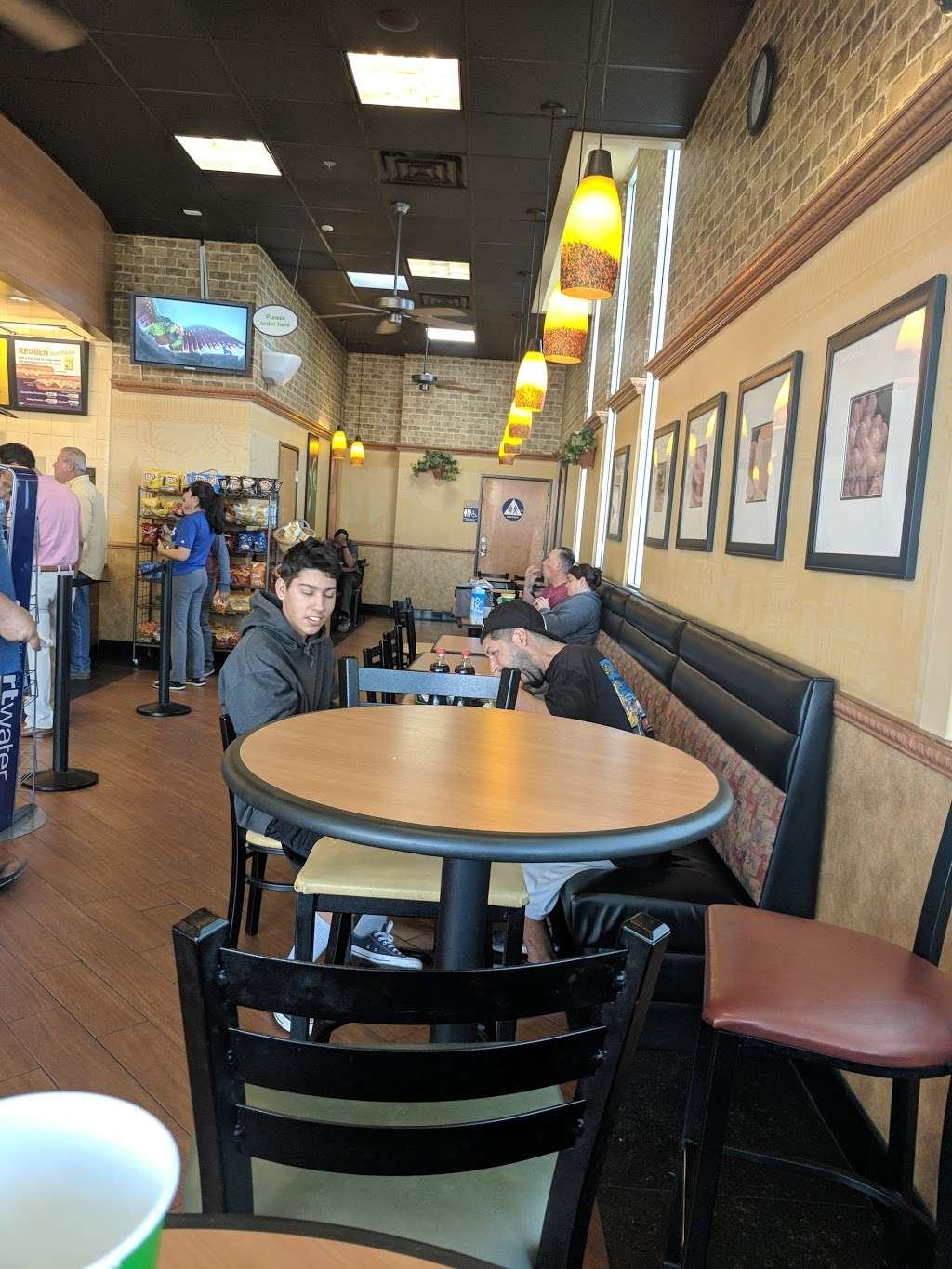 Subway - meal takeaway  | Photo 5 of 10 | Address: 13520 Paxton St Suite A-3, Pacoima, CA 91331, USA | Phone: (818) 899-3900