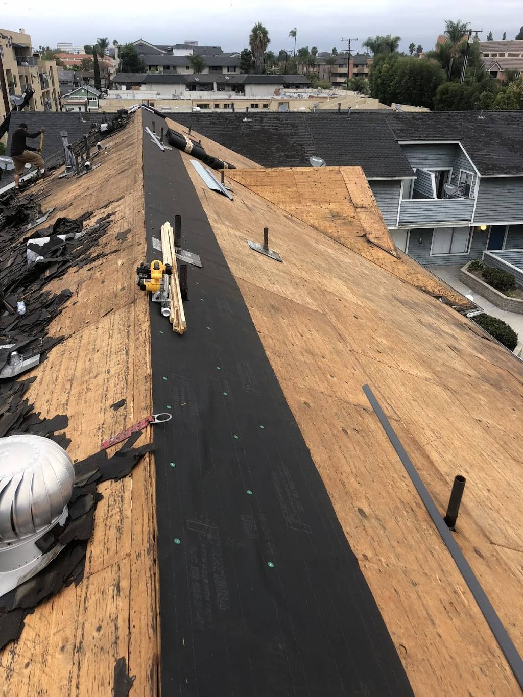 Ayon's Roofing - roofing contractor  | Photo 3 of 8 | Address: 1713 E Sycamore St, Anaheim, CA 92805, USA | Phone: (714) 944-3340