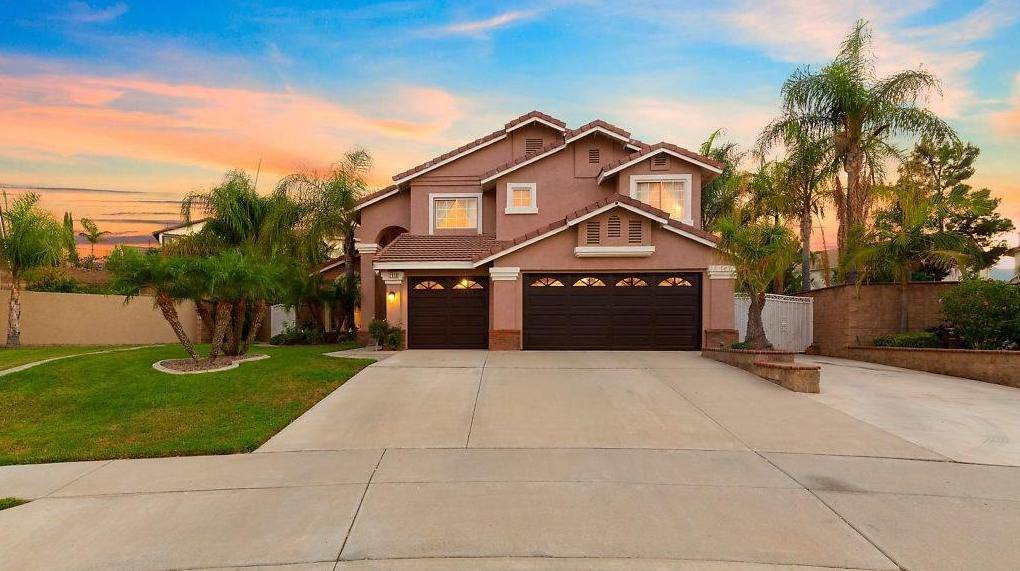 Paramount Valley Realty Surprise AZ - real estate agency  | Photo 3 of 6 | Address: Reems &, W Greenway Rd, Surprise, AZ 85379, USA | Phone: (480) 865-8500