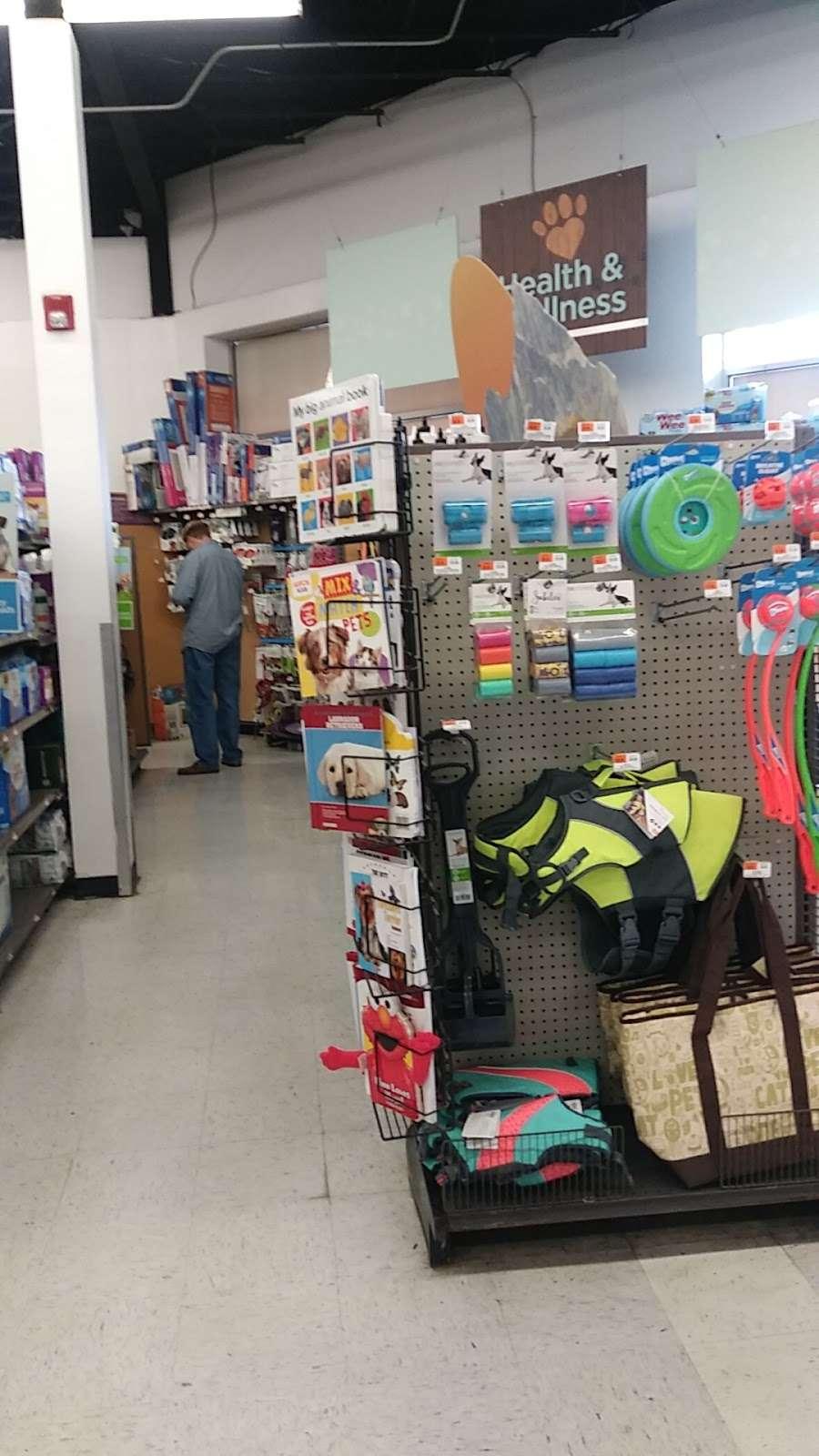 Petco Animal Supplies - store    Photo 9 of 10   Address: 780 Rte 3 West, Clifton, NJ 07012, USA   Phone: (973) 472-3344