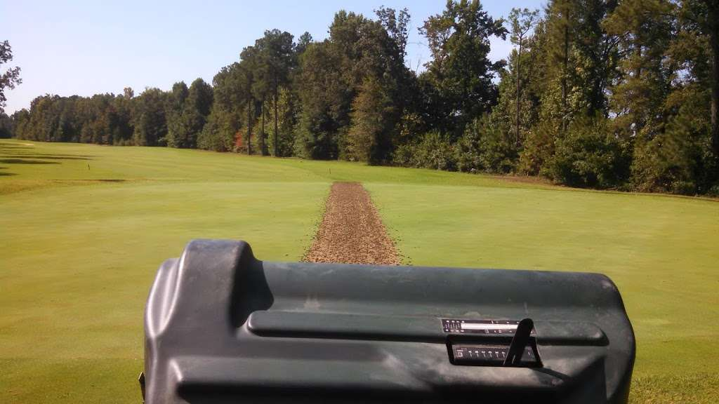 Queenfield Golf Club - school  | Photo 3 of 10 | Address: 1896 Dabneys Mill Rd, Manquin, VA 23106, USA | Phone: (804) 769-8838