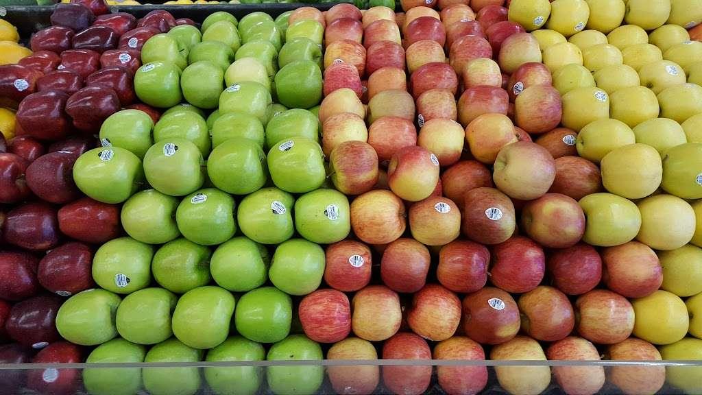 Chavez Supermarket - store  | Photo 2 of 10 | Address: 666 N Fair Oaks Ave, Sunnyvale, CA 94085, USA | Phone: (408) 736-3793