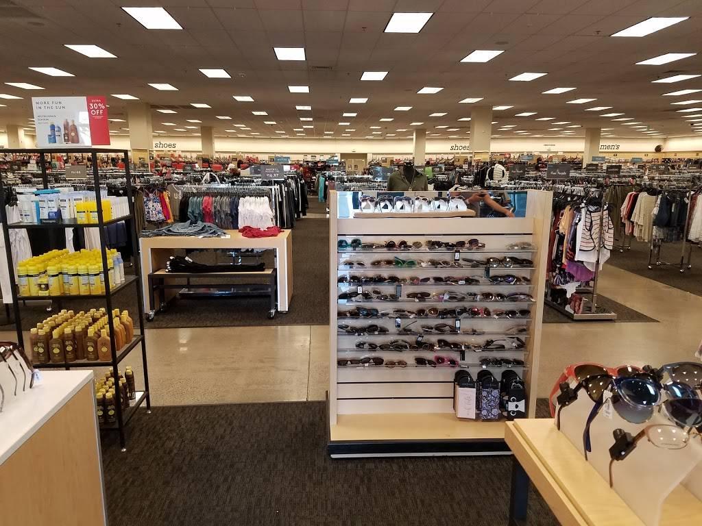 Nordstrom Rack Stephanie Street Center - department store  | Photo 7 of 9 | Address: 579 N Stephanie St, Henderson, NV 89014, USA | Phone: (702) 948-2121