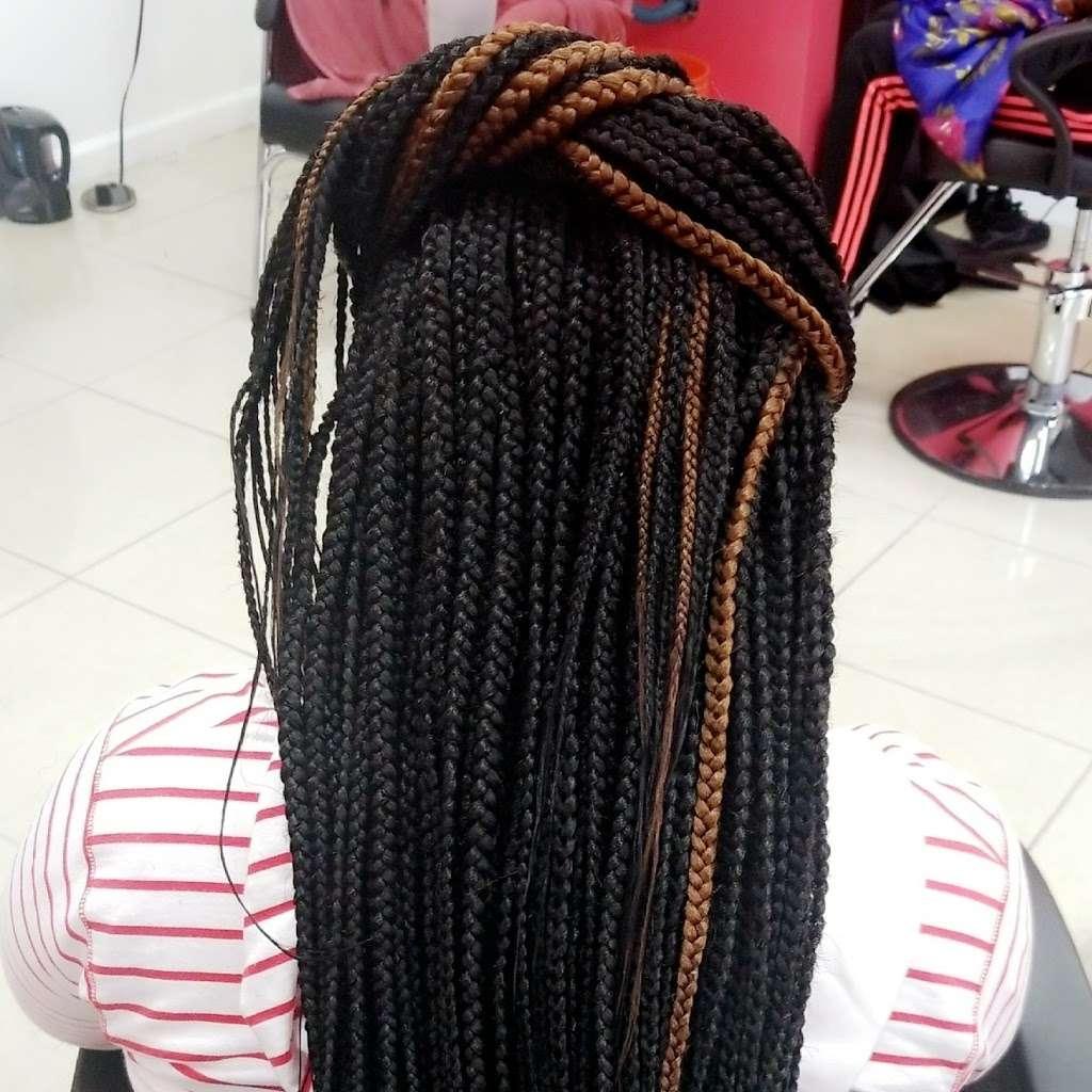 Mama African Hair Braiding - hair care  | Photo 3 of 10 | Address: 162 Rockaway Ave, Brooklyn, NY 11233, USA | Phone: (718) 635-1543