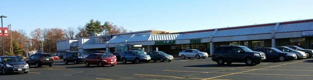 The Commons Shopping Center - shopping mall  | Photo 1 of 10 | Address: 515 Daniel Webster Hwy, Merrimack, NH 03054, USA