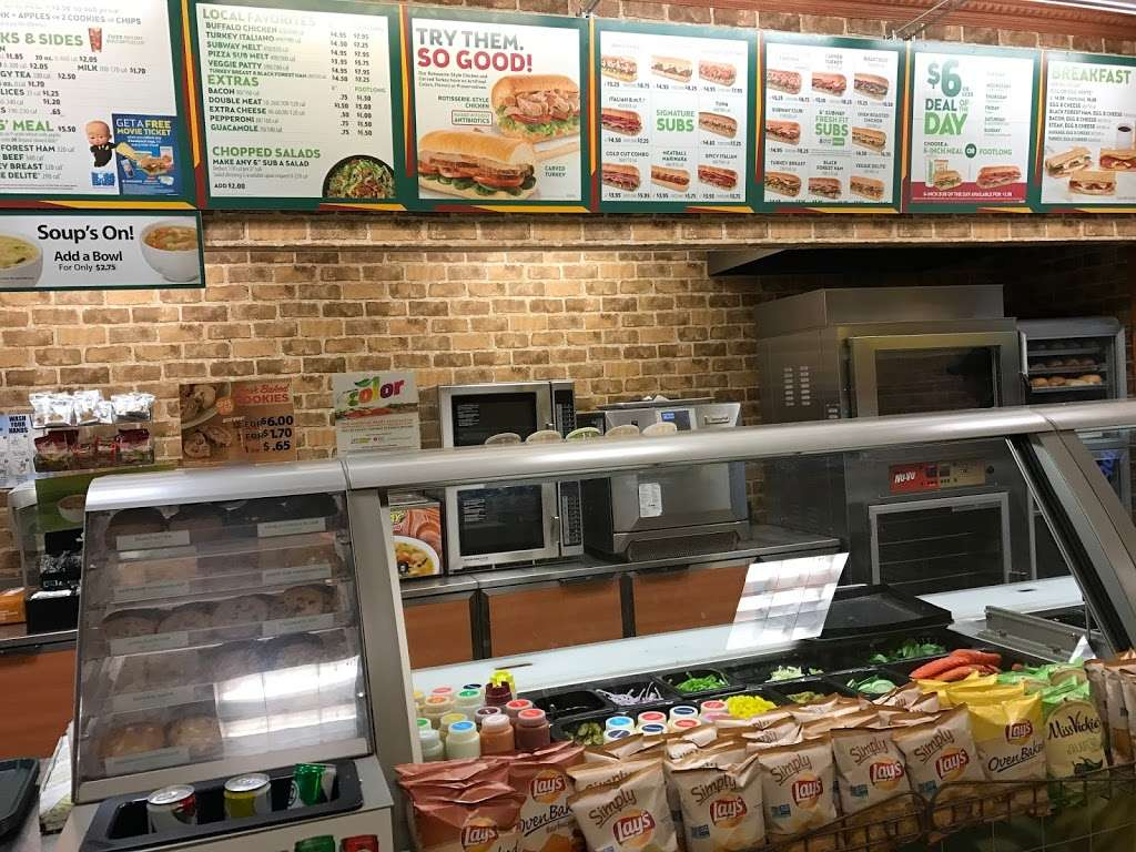 Subway - restaurant    Photo 7 of 10   Address: 12300 Price Club Plaza, Fairfax, VA 22030, USA   Phone: (703) 543-8157
