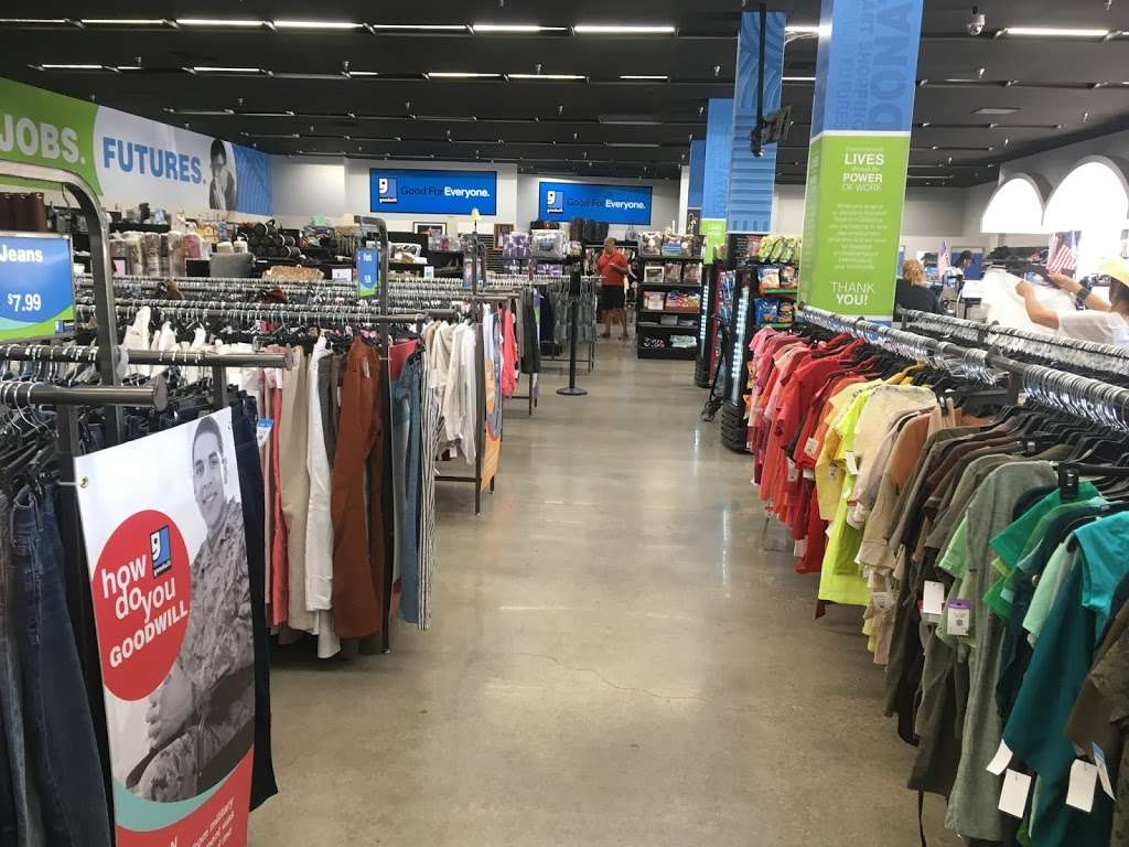 Goodwill - Los Angeles - clothing store  | Photo 1 of 10 | Address: 342 N San Fernando Rd, Los Angeles, CA 90031, USA | Phone: (323) 223-1211